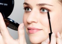 How to Apply Bottom Lash Mascara Correctly - Lower Lash Mascara Tips and Secrets