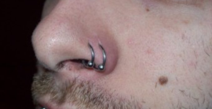 Double Nose Piercing – Meaning, Same Side, Nostril and Pictures - Same Side Piercing
