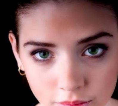 Eyeliner for green eyes - black eyeliner