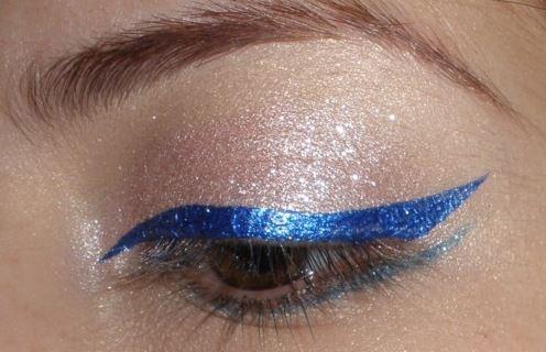 Liquid blue eyeliner