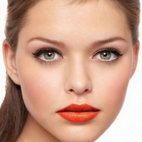Waterline with white eyeliner - Eyeliner for green eyes